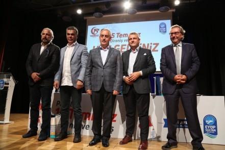 Ardan Zentürk, Süleyman Özışık, Ersoy Dede Mete Yarar, Eyüpsultan Belediye Başkanı Remzi Aydın, 15 Temmuz Direniş ve Diriliş paneli