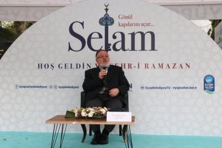 Eyüpsultan Camii Meydanı, sohbet Meclisi, Şevki Bey Cami İmam Hatibi Bahattin Dölen