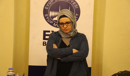 """Fatma Barbarosoğlu: """"Birbirimizi Eşyalar Üzerinden Denetliyoruz"""""""